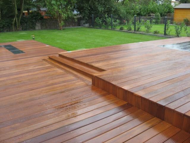 Stufen Holzterrasse