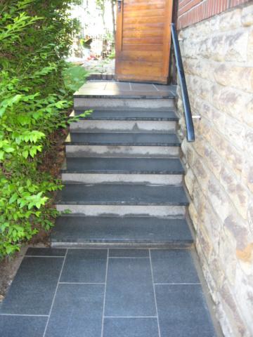 Stufenanlage mit Plattierung